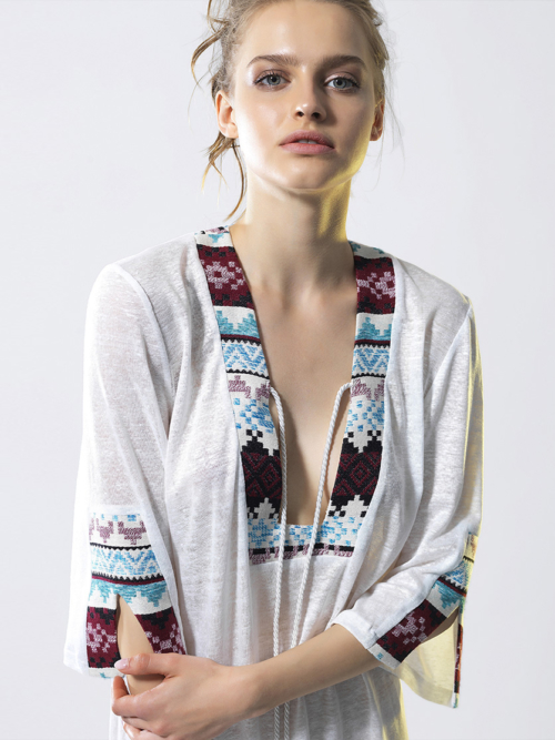 T1815 WHITE CLOSE UP SUN SEEKER KAFTAN TIKTO TIKTOATHENS